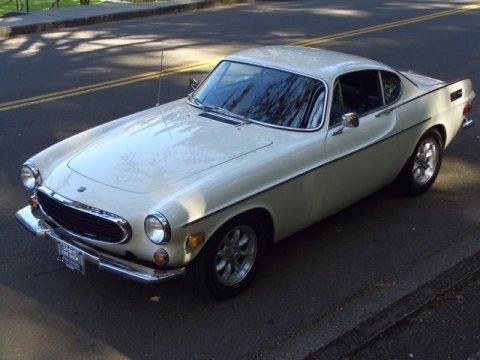1971_Volvo_P1800_E_Coupe_Front_1